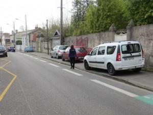 avenue d'Arès piéton sur bande cyclable