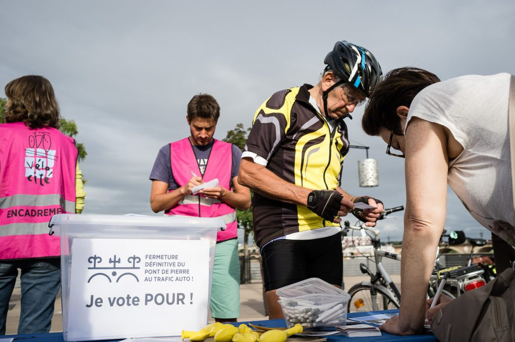 Vélo Cité-Pont de Pierre-© Christophe Pit-01